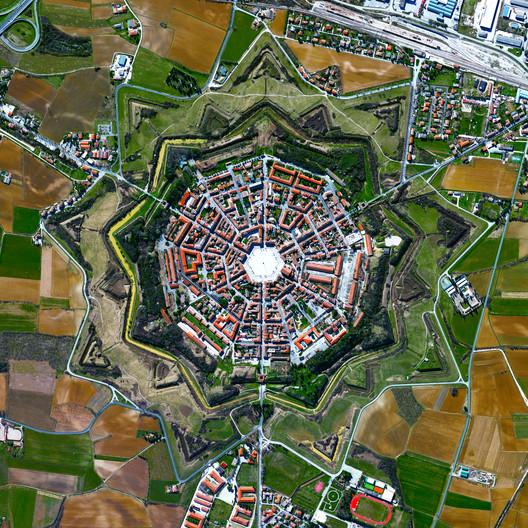 Palmanova (Italia) / Daily Overview/Maxar Tecnologies