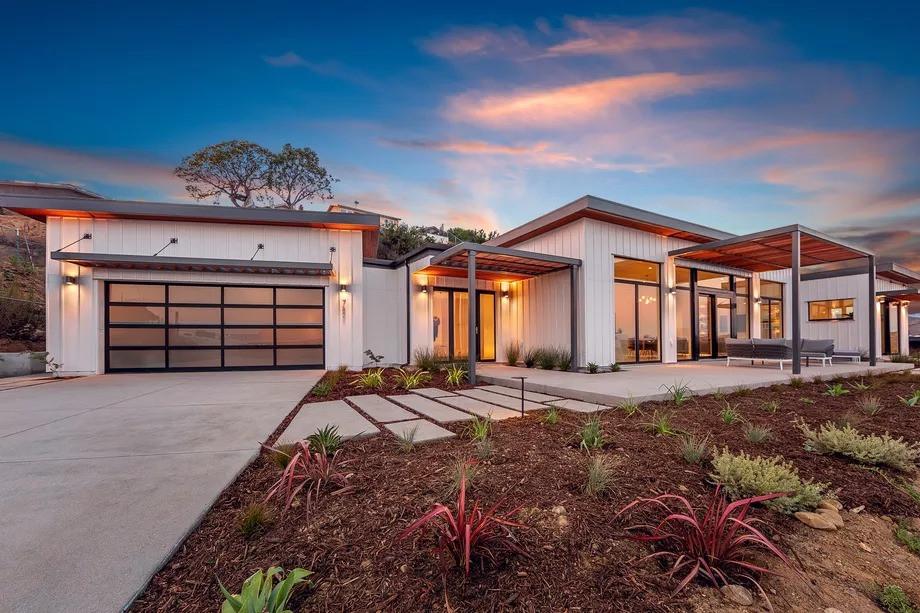 Una casa prefabricada de lujo totalmente autosuficiente