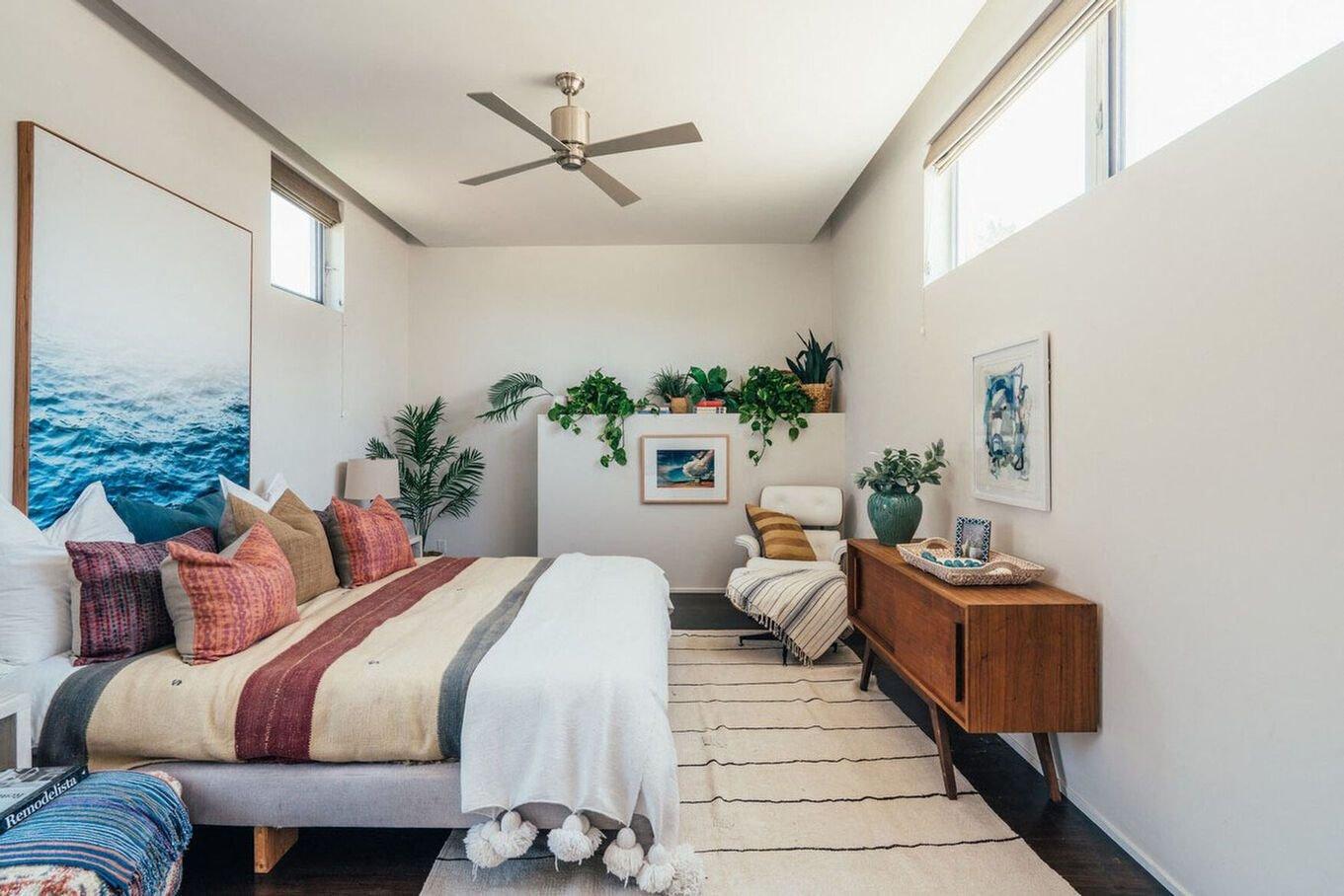 Dormitorio de invitados / Neue Focus/Douglas Elliman