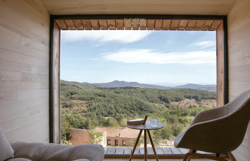 Contemplar el paisaje desde desde el sillón