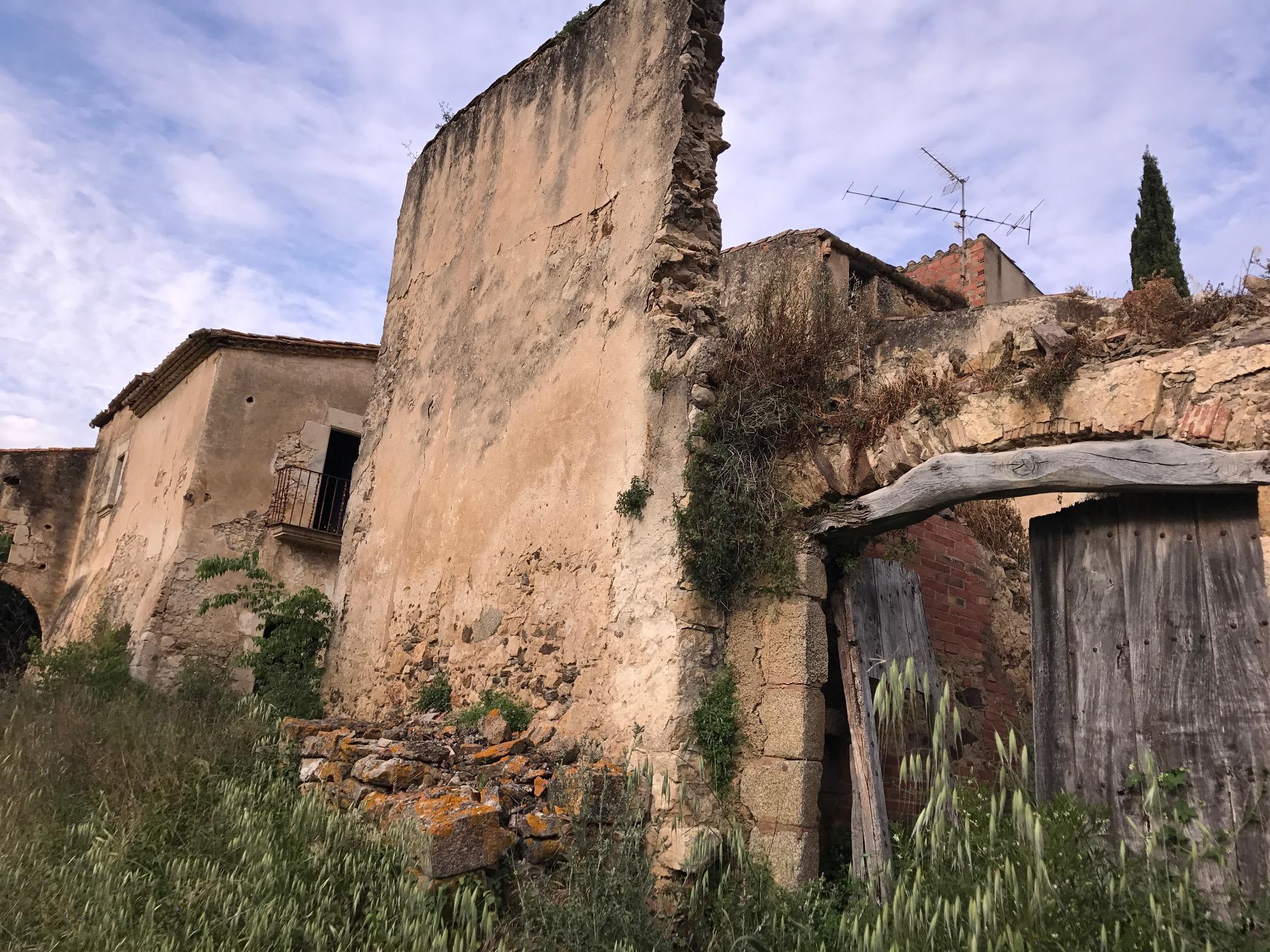 Masía en ruinas
