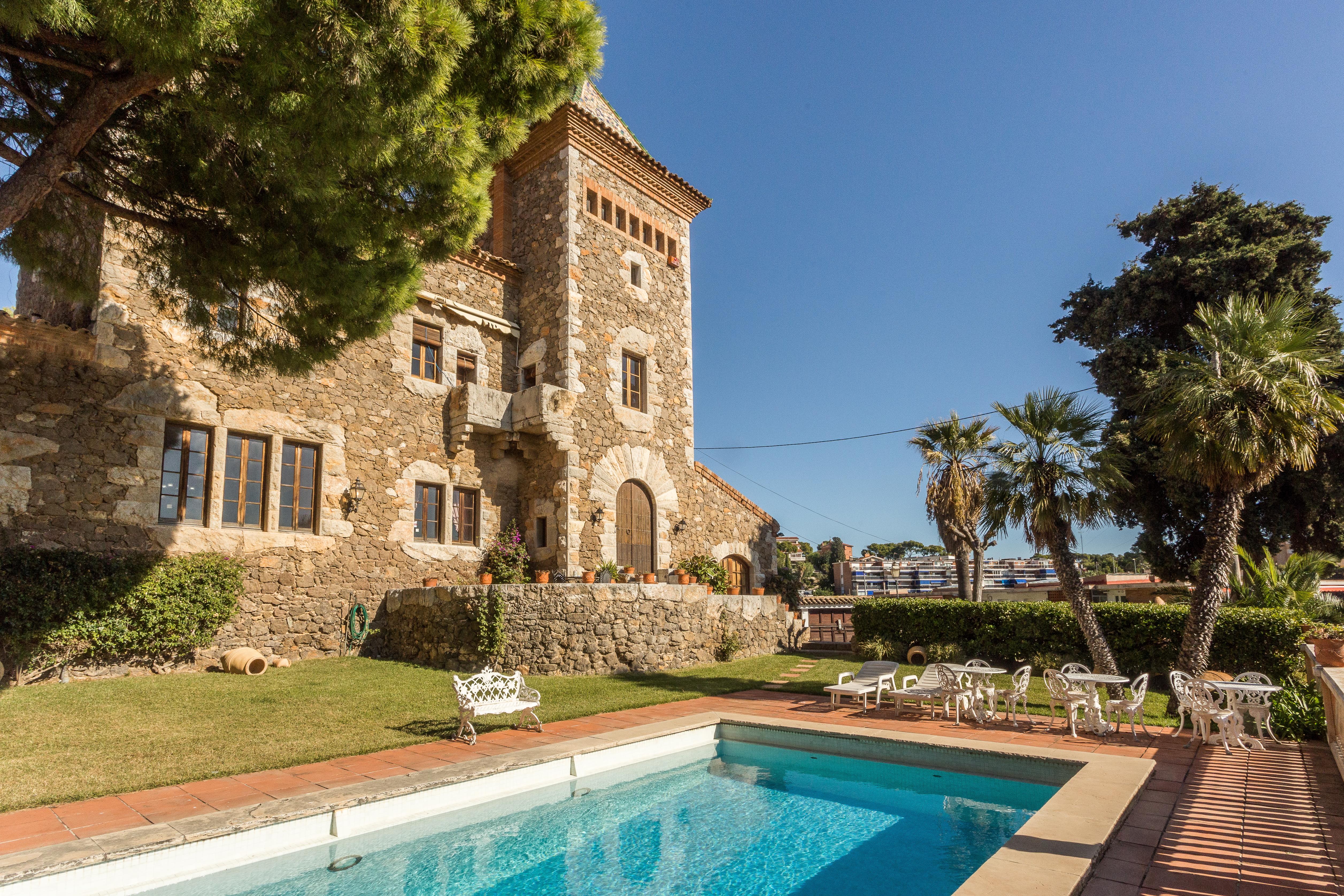 Villa modernista en Castelldefels