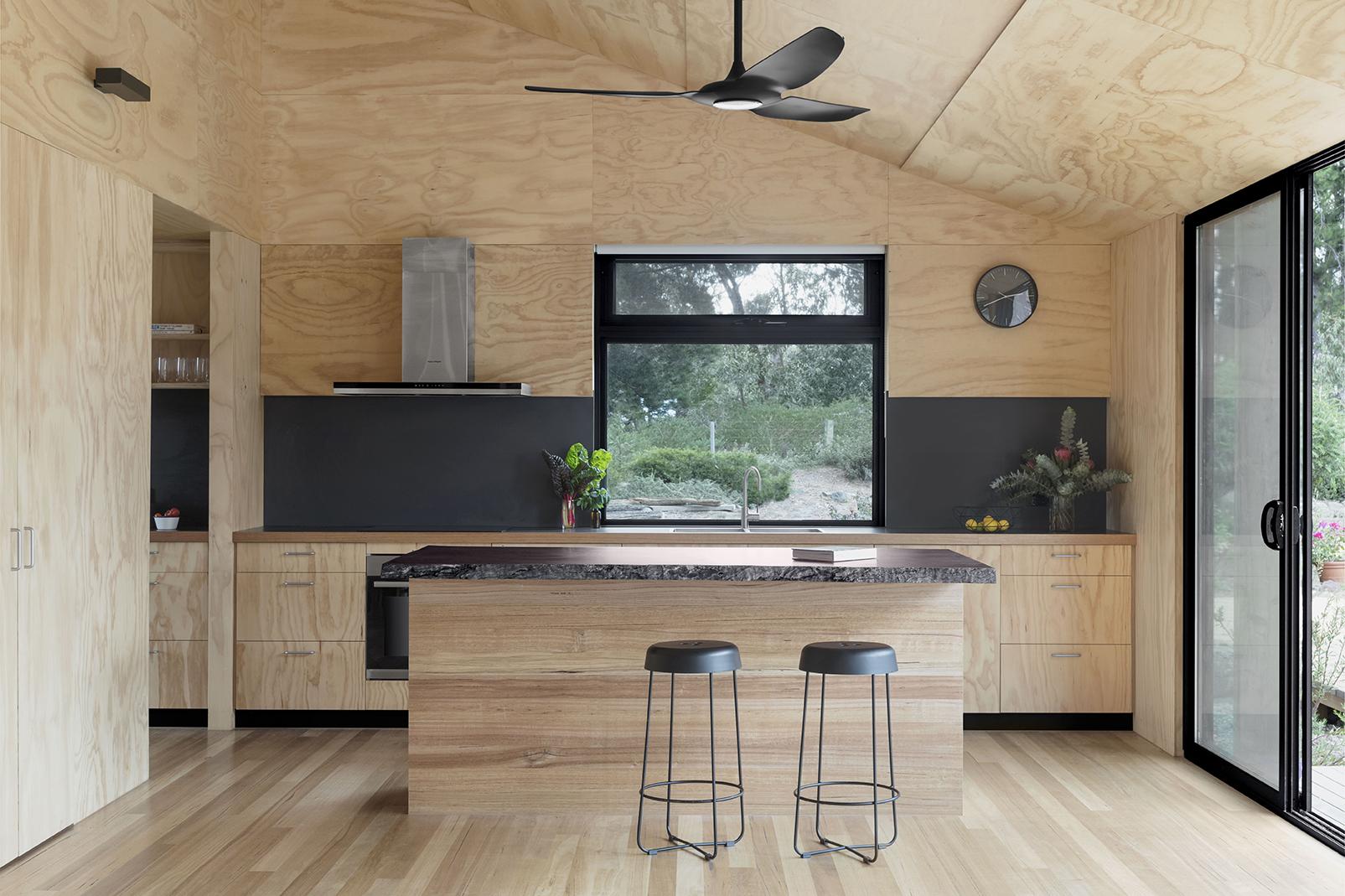 La madera, protagonista en el interior