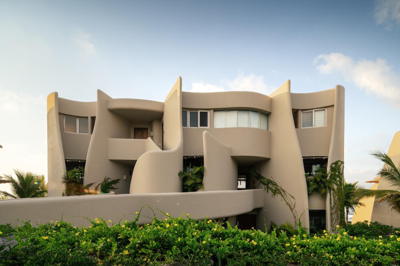 El desarrollo incluye seis edificios, cada uno de tres pisos