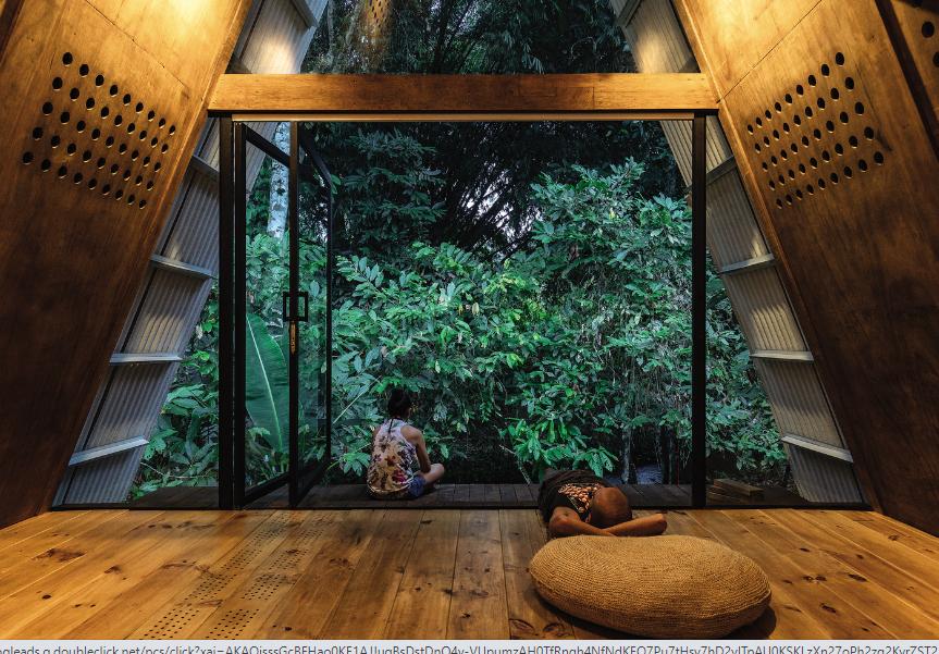 De madera y con mucha luz natural