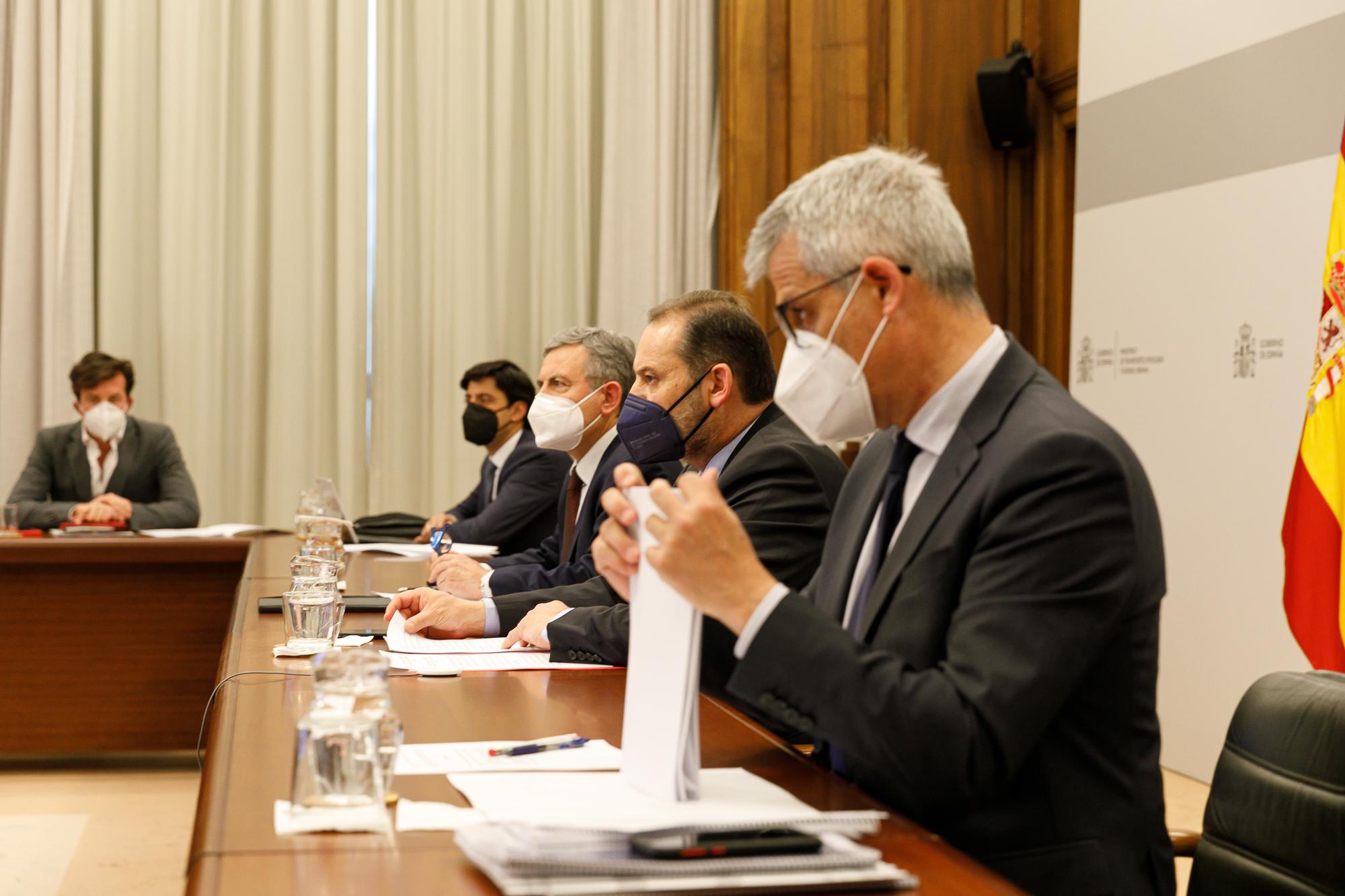 Conferencia Sectorial de Vivienda, Urbanismo y Suelo con el ministro Ábalos (2º por la dcha.) / Mitma