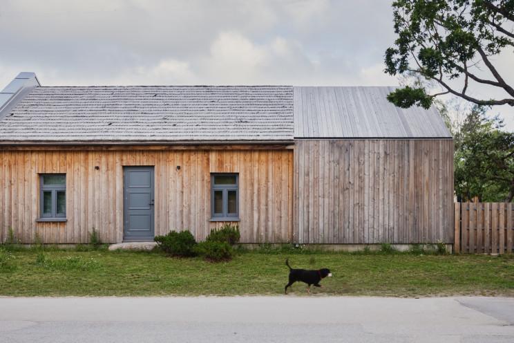 Una casa prefabricada de estilo nórdico en Letonia