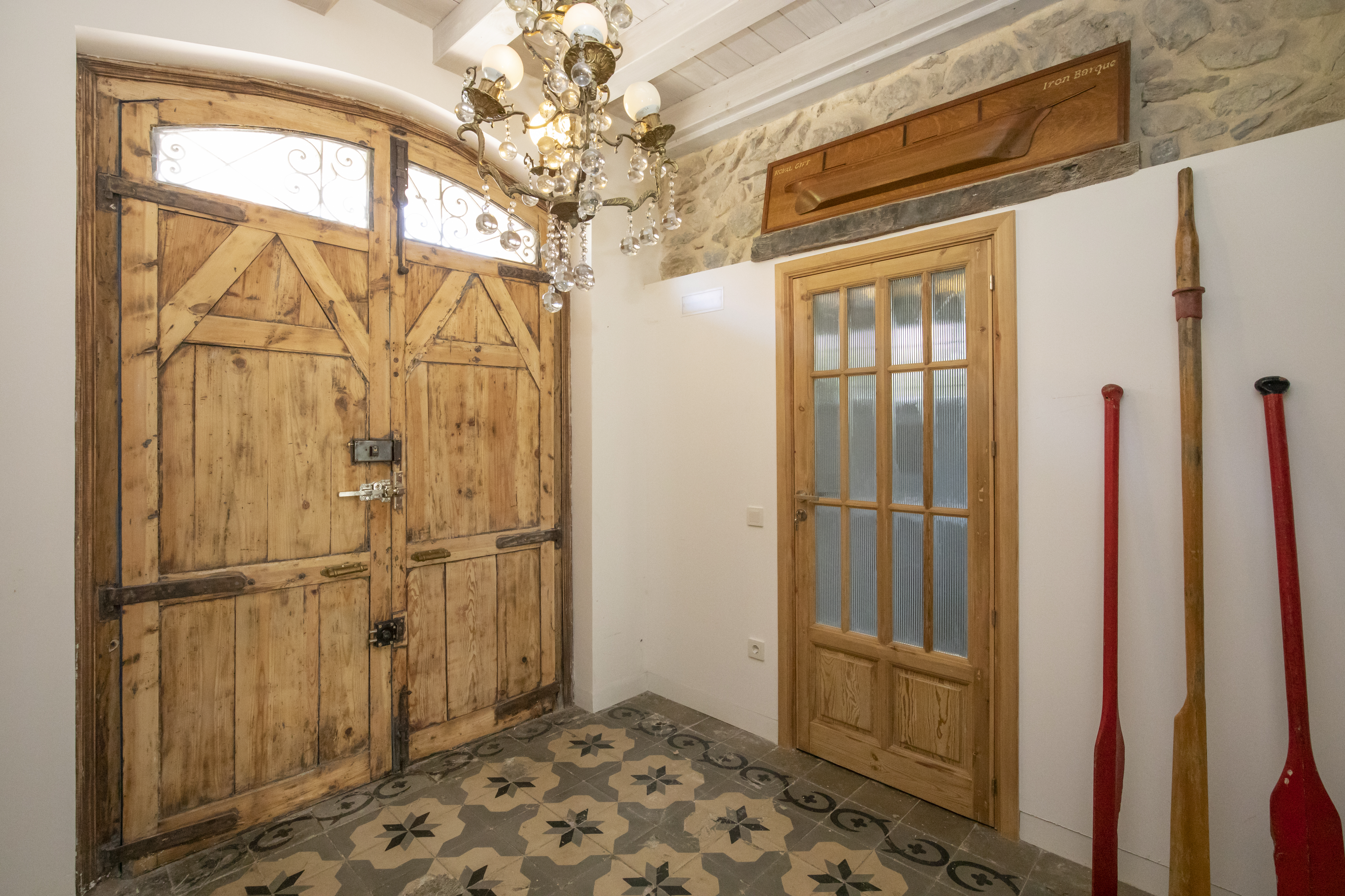 Grandes puertas de madera