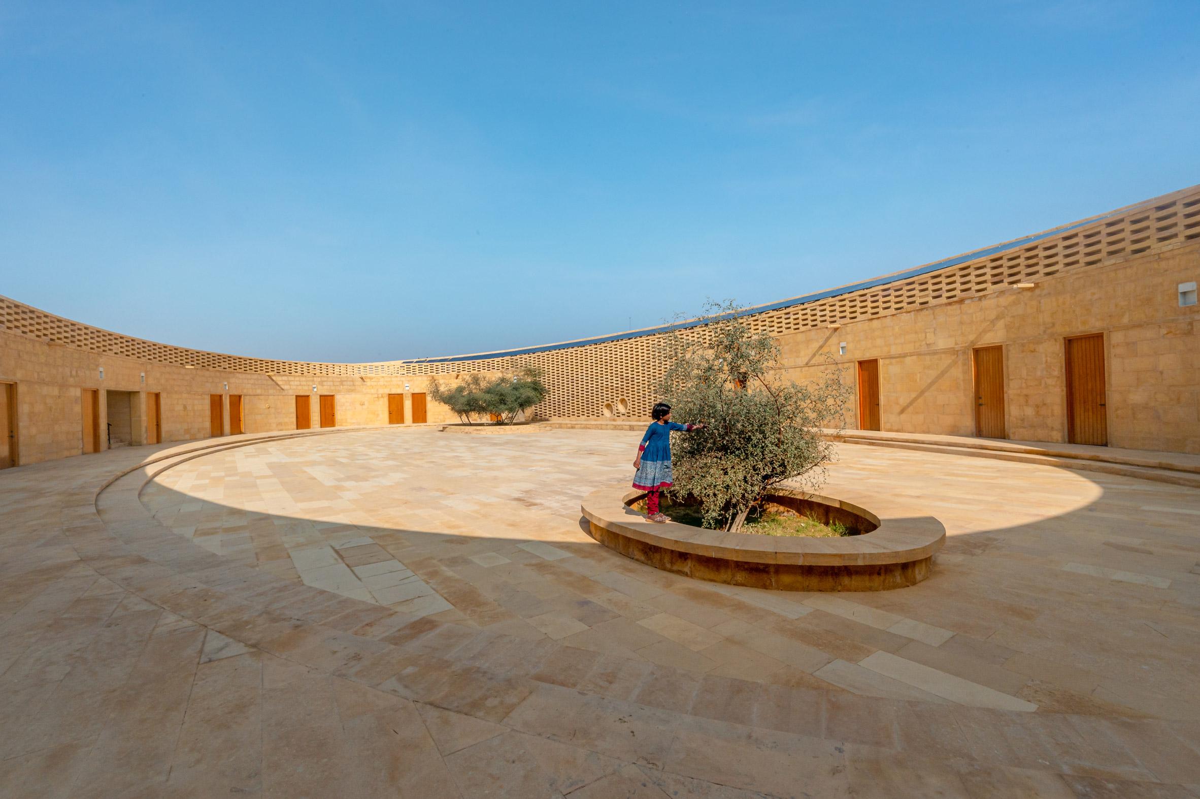 Tiene una superficie de más de 800 m2