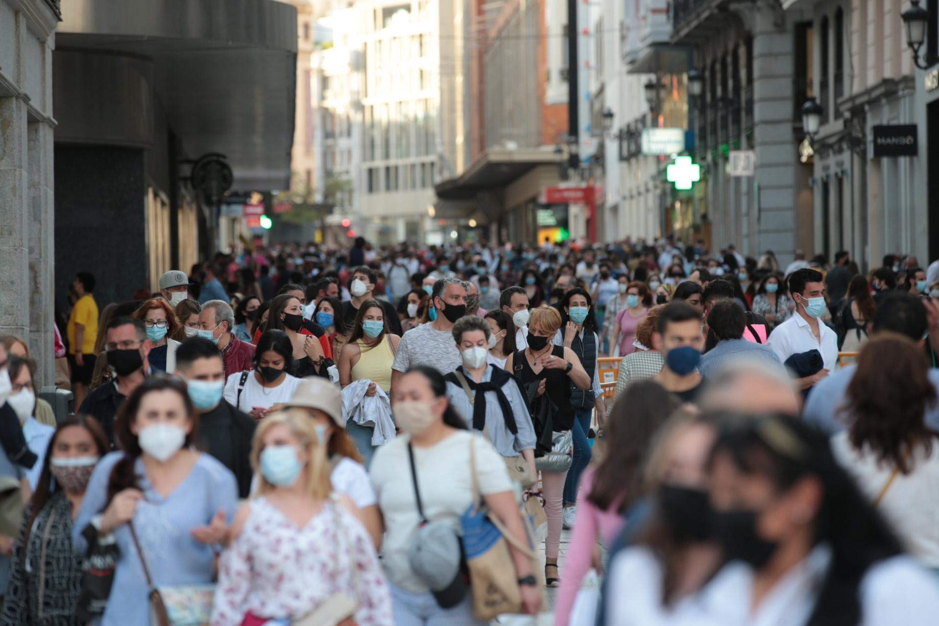 El fin del estado de alarma en Madrid con calles llenas / Gtres