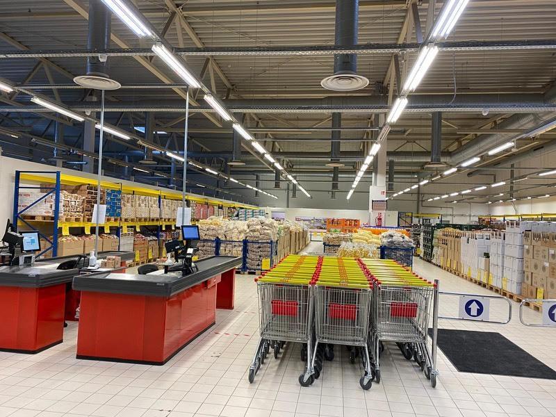 Interior supermercado Mere