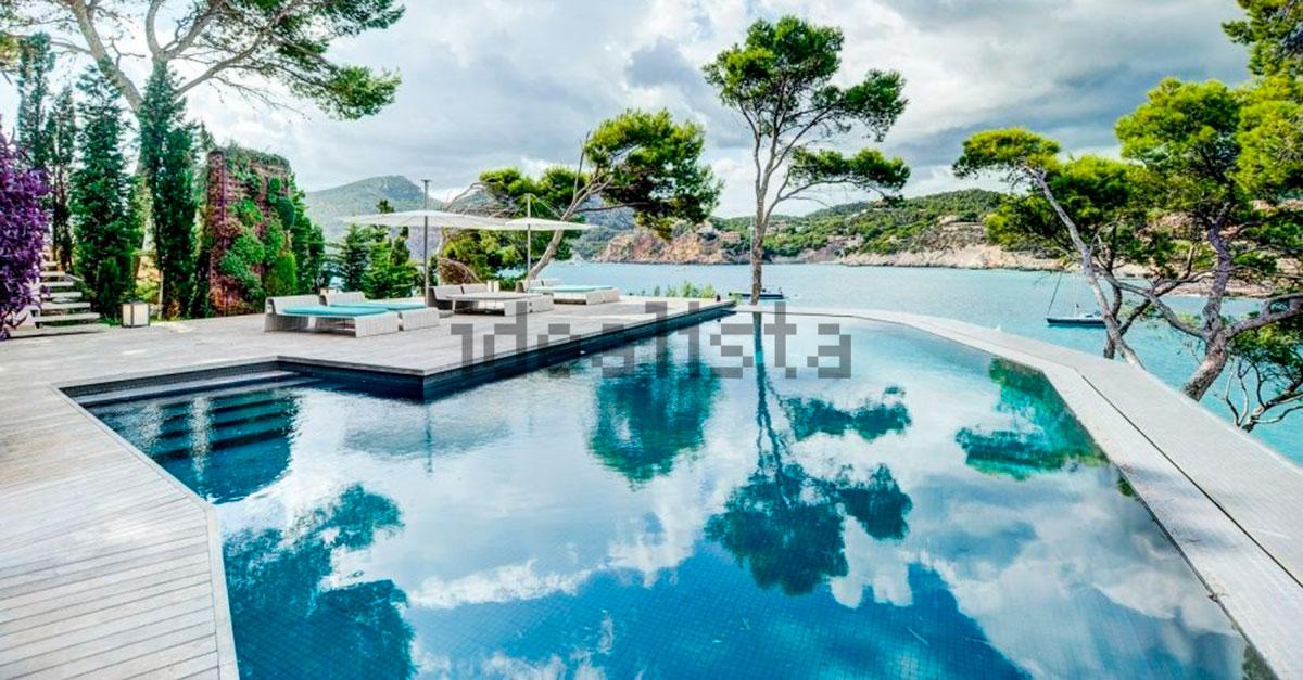 Villa de lujo en primera línea en Andratx (Mallorca) - 15 millones de euros