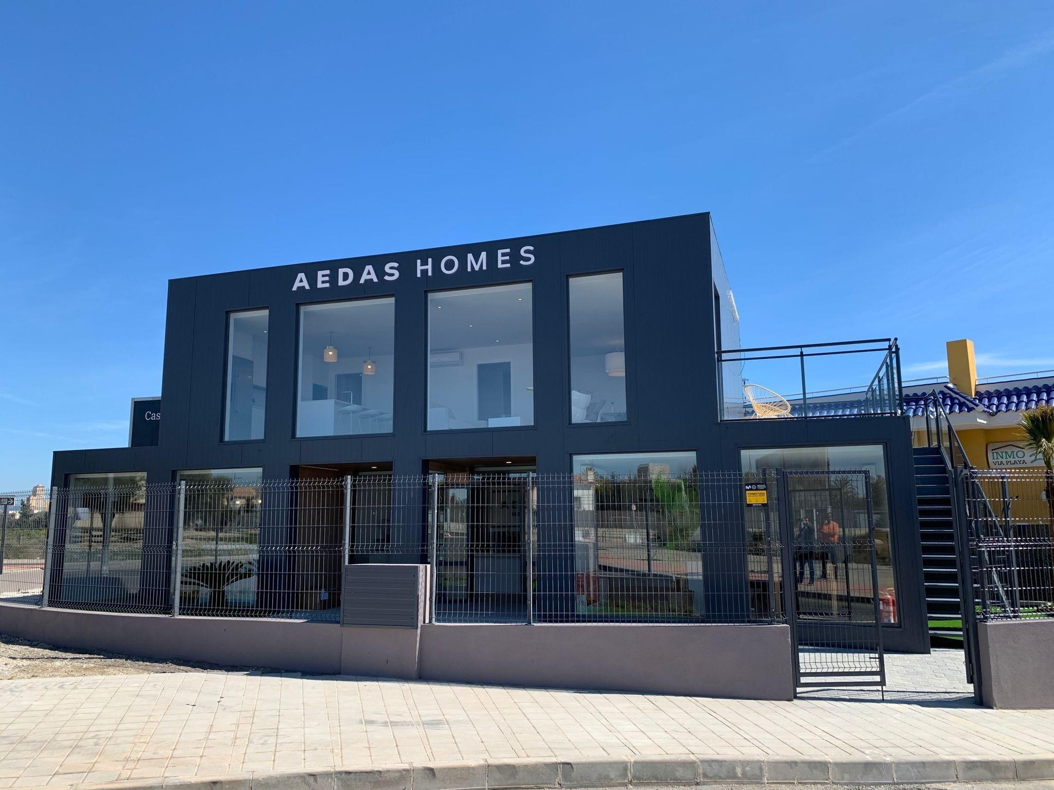 Edificio de la nueva oficina de Aedas Homes en el nuevo barrio Nou Nazareth de San Juan de Alicante.