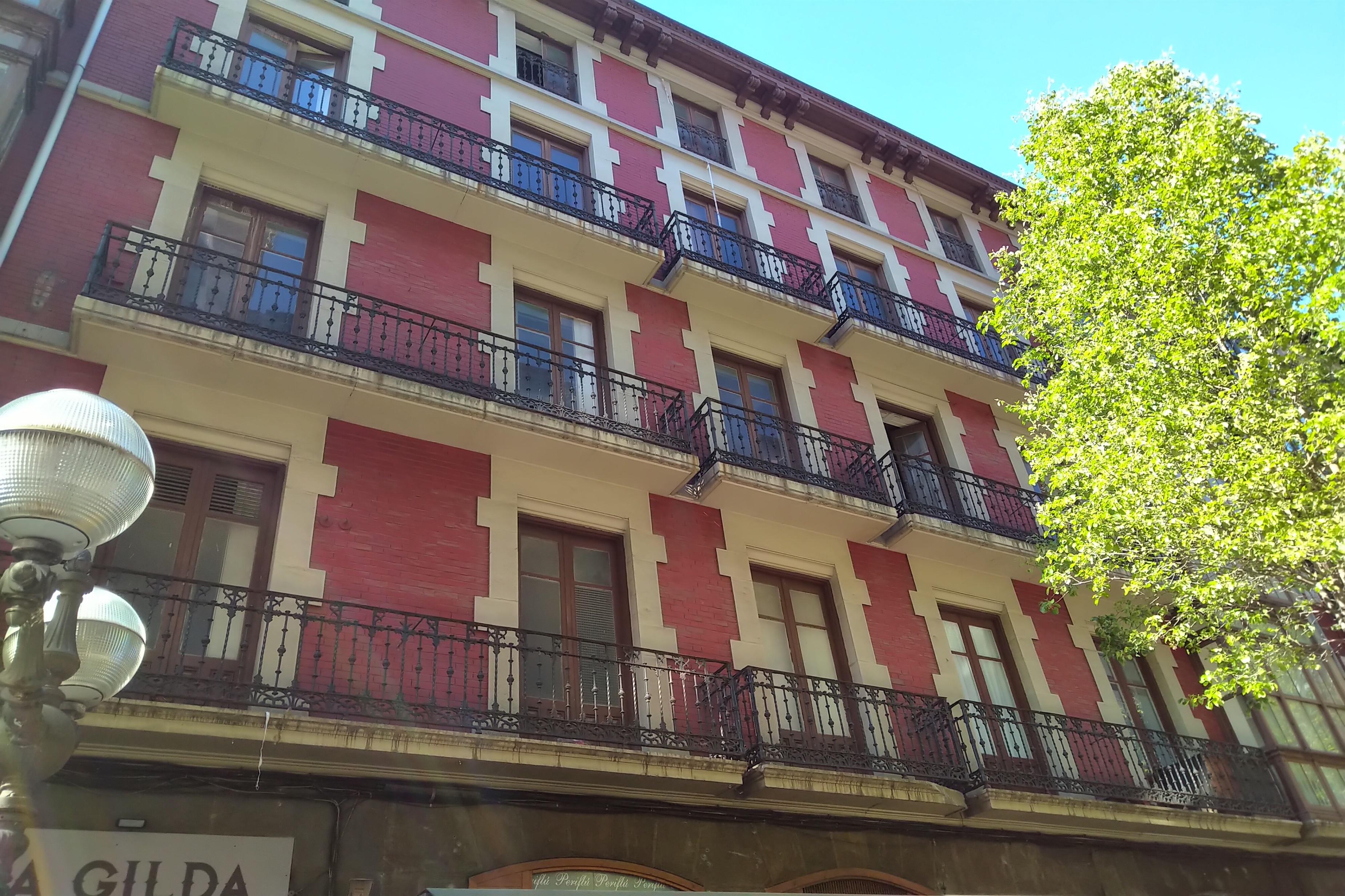 Archivo - Edificio adquirido por All Iron en Bilbao