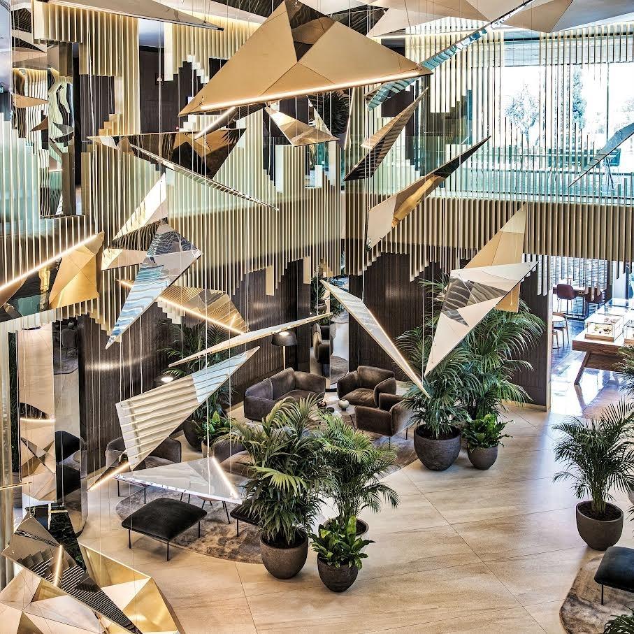 Brookfield adquiere Selenta Group por 440 millones / Lobby Hotel Sofía Barcelona