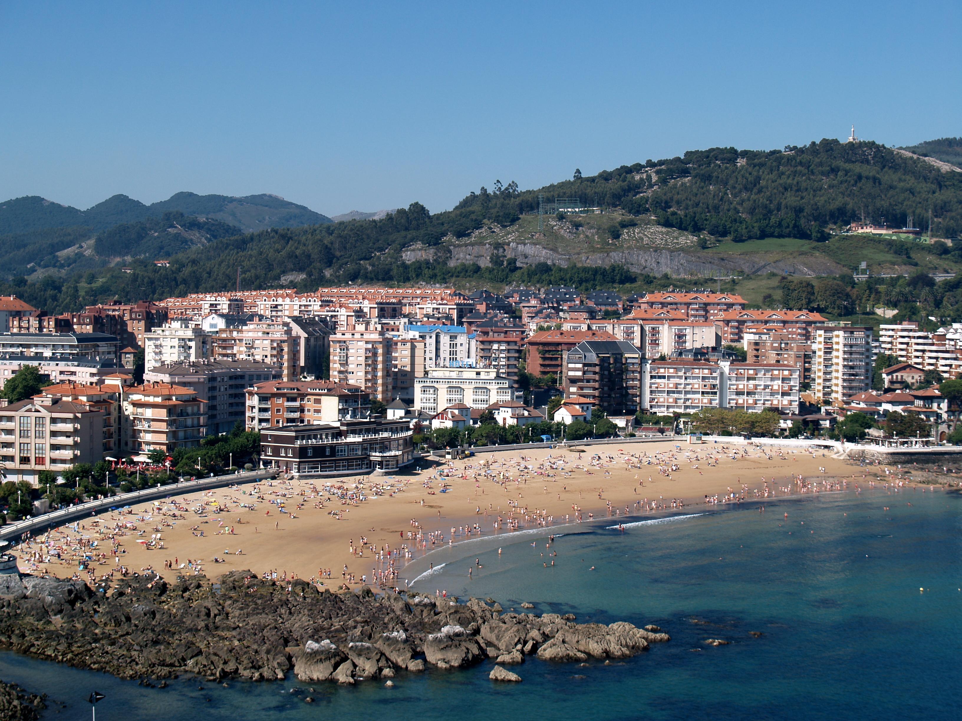 Playa Castro Urdiales, Cantabria