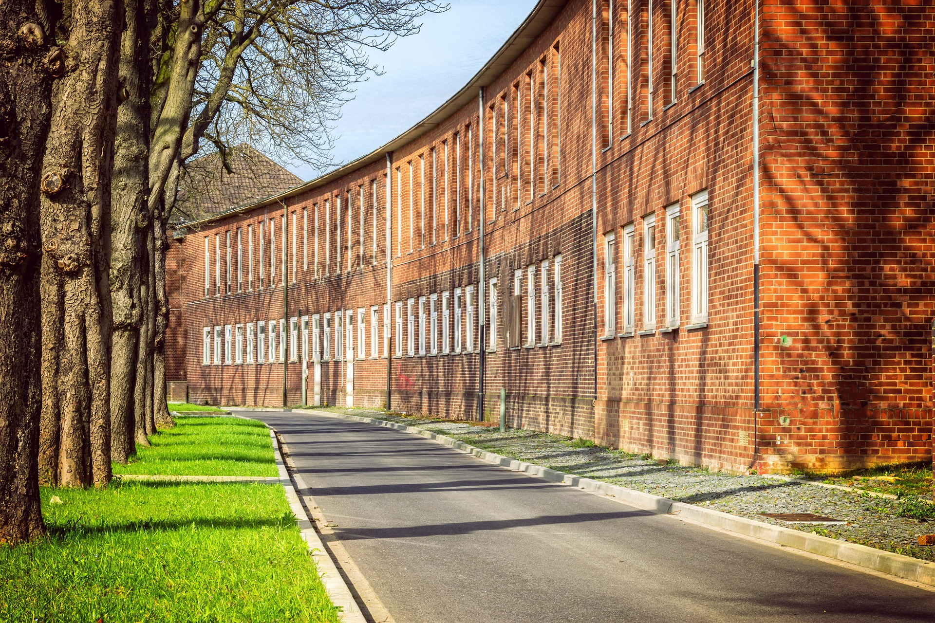Edificios de ladrillo visto / Pixabay