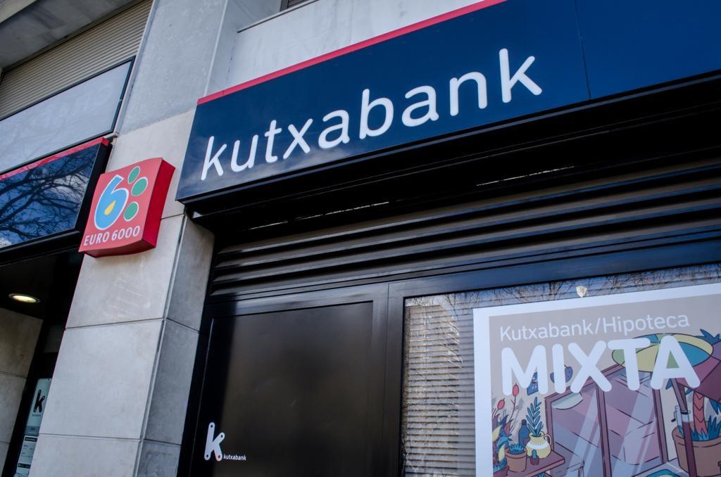 Archivo - Sucursal, banco Kutxabank