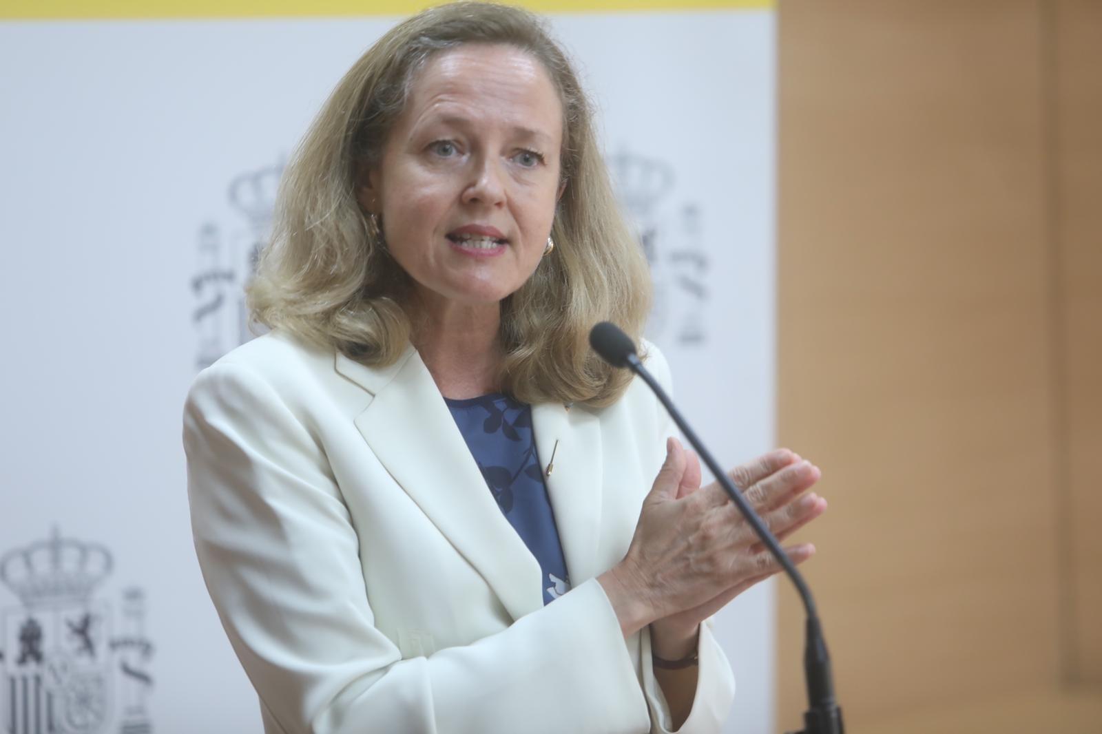 La vicepresidenta primera y ministra de Asuntos Económicos y Transformación Digital, Nadia Calviño, en Cádiz.
