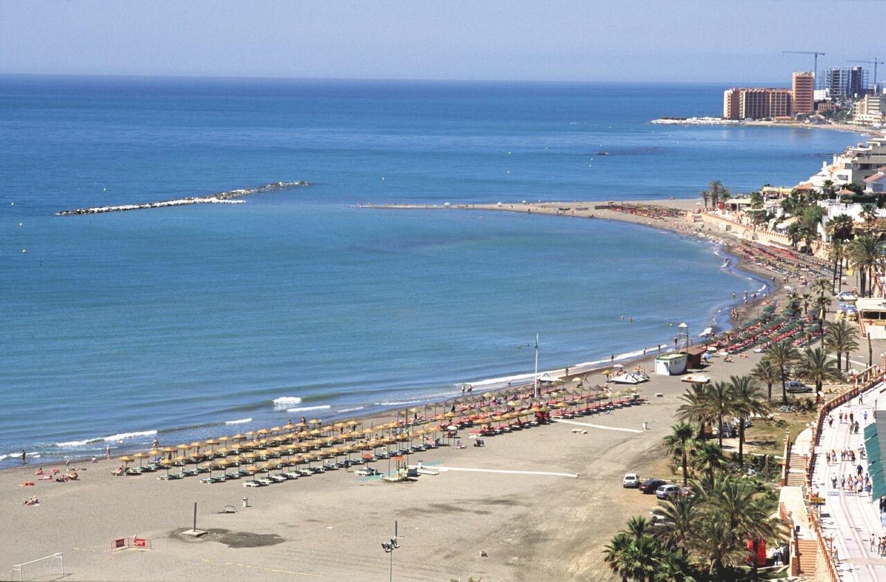 Archivo - Playa de la Costa del Sol.