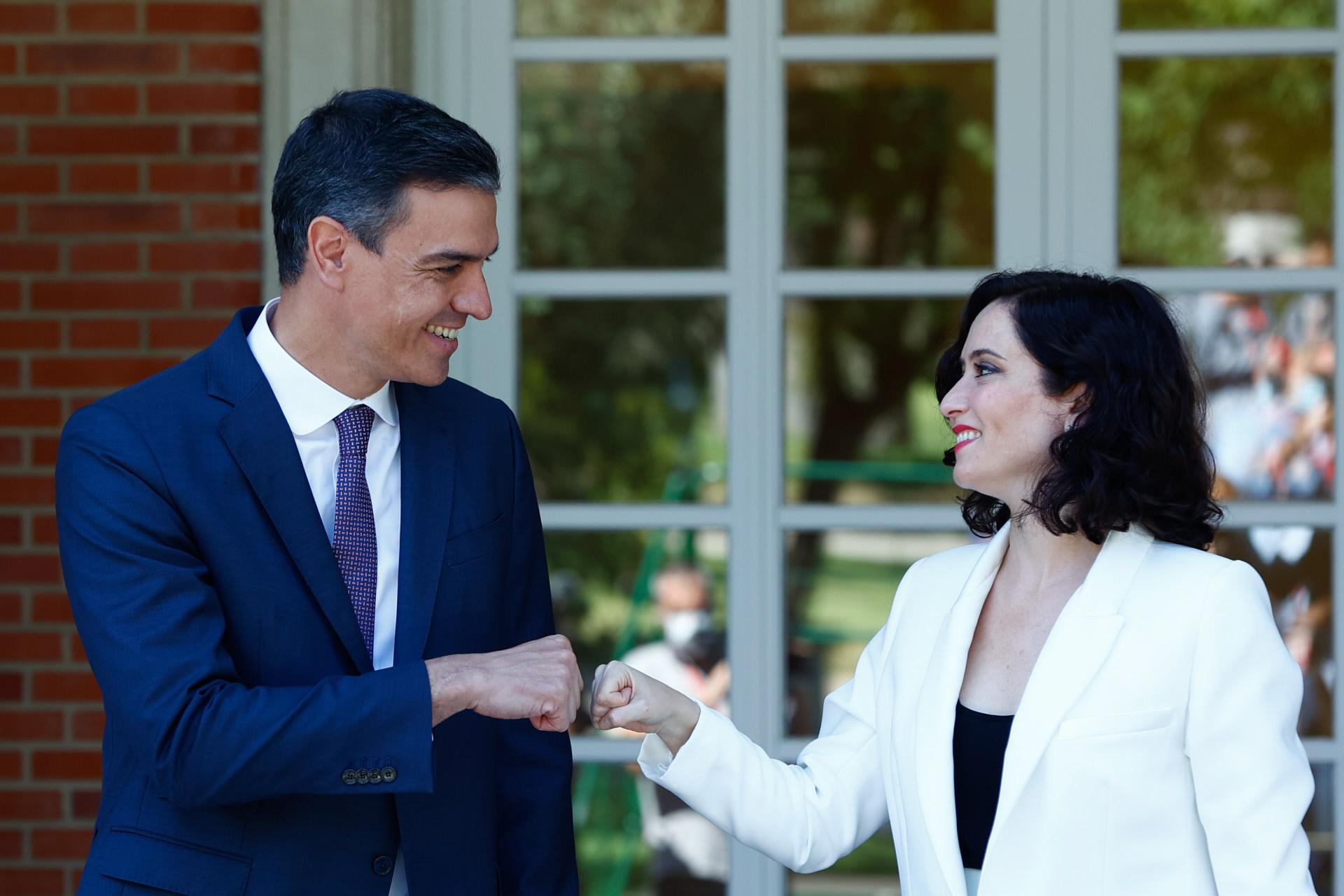 El presidente del Gobierno, Pedro Sánchez, recibe en La Moncloa a la presidenta de la C. de Madrid. Isabel Díaz Ayuso / Gtres