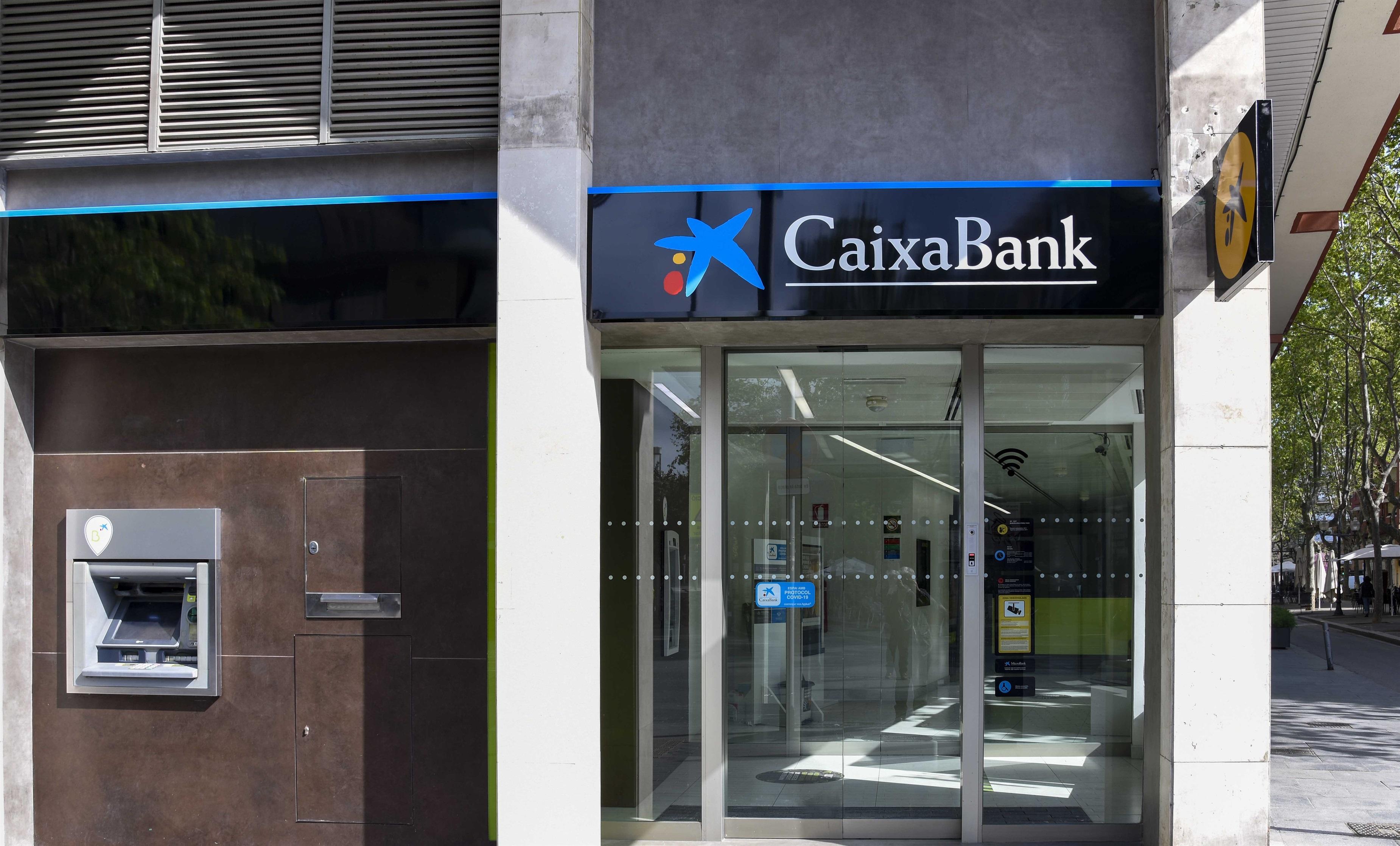 Una oficina de CaixaBank en Barcelona