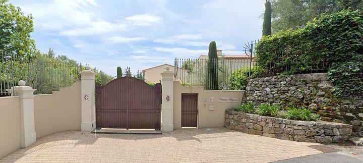 Exterior del Chateau Bigaud, propiedad adquirida por el primer ministro de República Checa, Andrej Babis / Google Street View