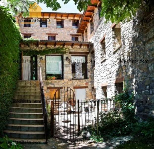 Piso En Venta En Jaca: Casa En Venta En Jaca (La Casa Del Día)