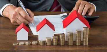 El euríbor vuelve a caer en abril, pero no afecta a las hipotecas: las cuotas seguirán subiendo