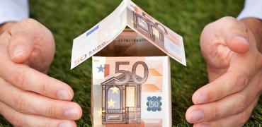 El euríbor rompe la barrera del -0,4% en septiembre y marca otro mínimo histórico que rebajará las hipotecas
