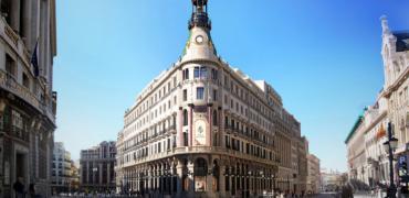 El turismo regional, los viajes de negocios y las bodas protagonizan el primer mes de vida del mayor hotel de lujo de Madrid