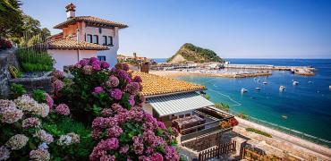 Llegan los bonos turísticos: estas CCAA te pagan parte del viaje si las visitas estas vacaciones