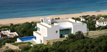 Los precios de los apartamentos turísticos y los hoteles en la costa suben de cara a verano