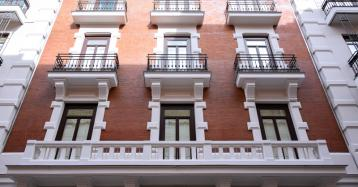 Señoriales por fuera y modernas por dentro: así son las casas de lujo de Chamberí