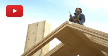 Cómo se amplía un edificio centenario con nuevas casas de madera en apenas 11 días