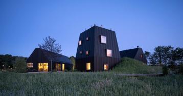 Esta moderna vivienda resucita la tradición arquitectónica del campo holandés