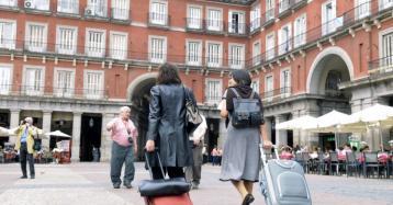 Las nuevas viviendas turísticas en Madrid sólo podrán ocupar las plantas bajas y primeros