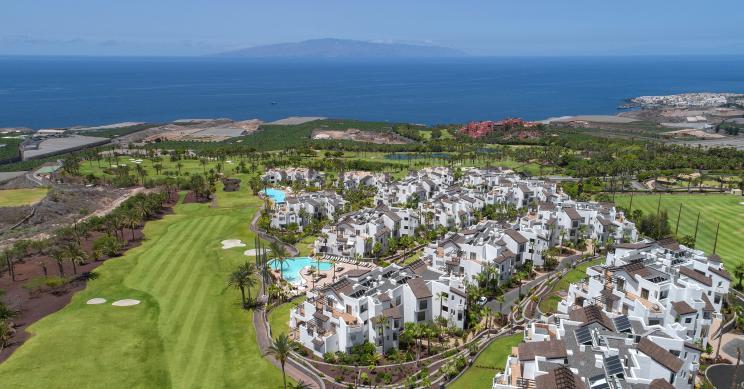 Un espectacular resort de lujo rodeado de naturaleza y con vistas al Atlántico y al Teide