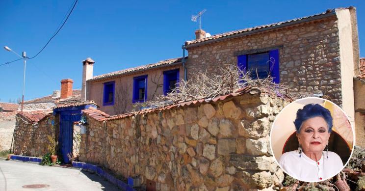 La antigua casa de Lucía Bosé en un pueblo de Segovia, a la venta en idealista por 430.000 euros