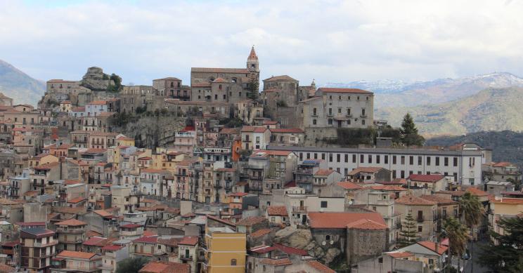 Crece el número de casas a la venta por solo 1 euro cerca de la costa italiana
