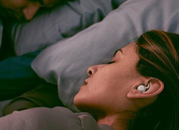 Cinco fantásticos dispositivos que te ayudarán a dormir entre ronquidos