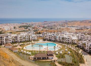 Las casas que está levantando en la Costa del Sol el exresponsable de Santander España, por dentro