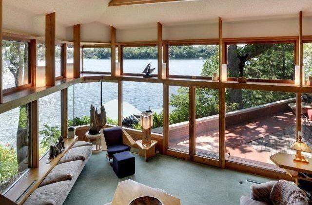 Casas de ensueño: una de las joyas de frank lloyd wright con vistas a un lago