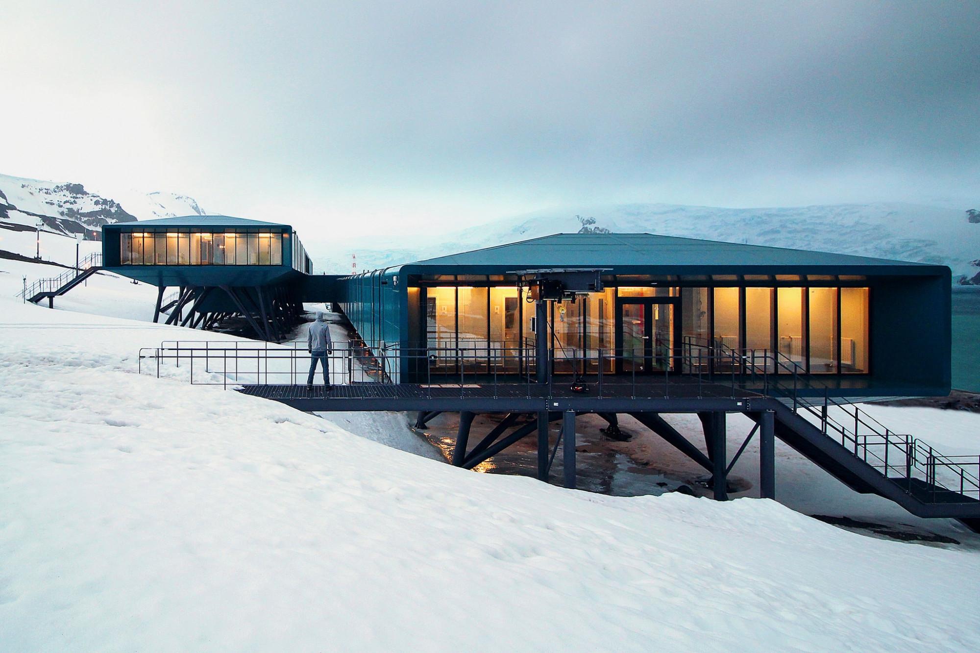 00sci-antarctic-architecture1-superjumbo