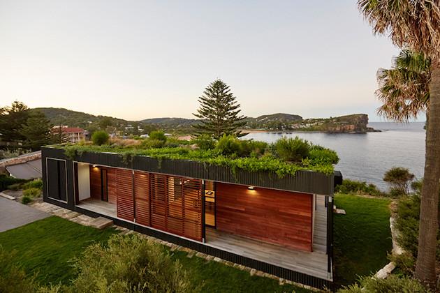 Eco-friendly-beachside-box-house-1