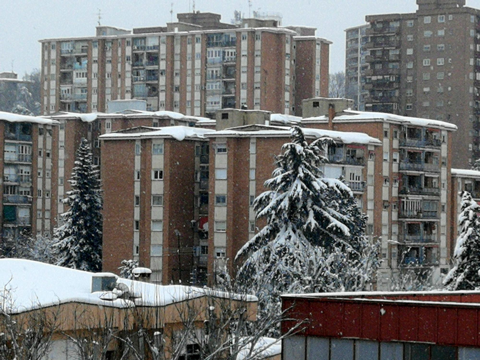 Nieve_en_cornisas_y_terrazas