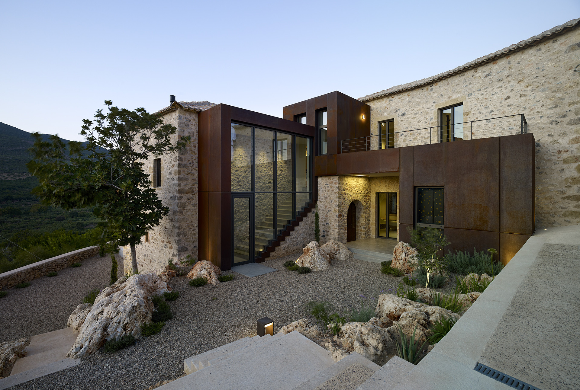 Rusted_mill_house_c_engel_volkers_greece_1