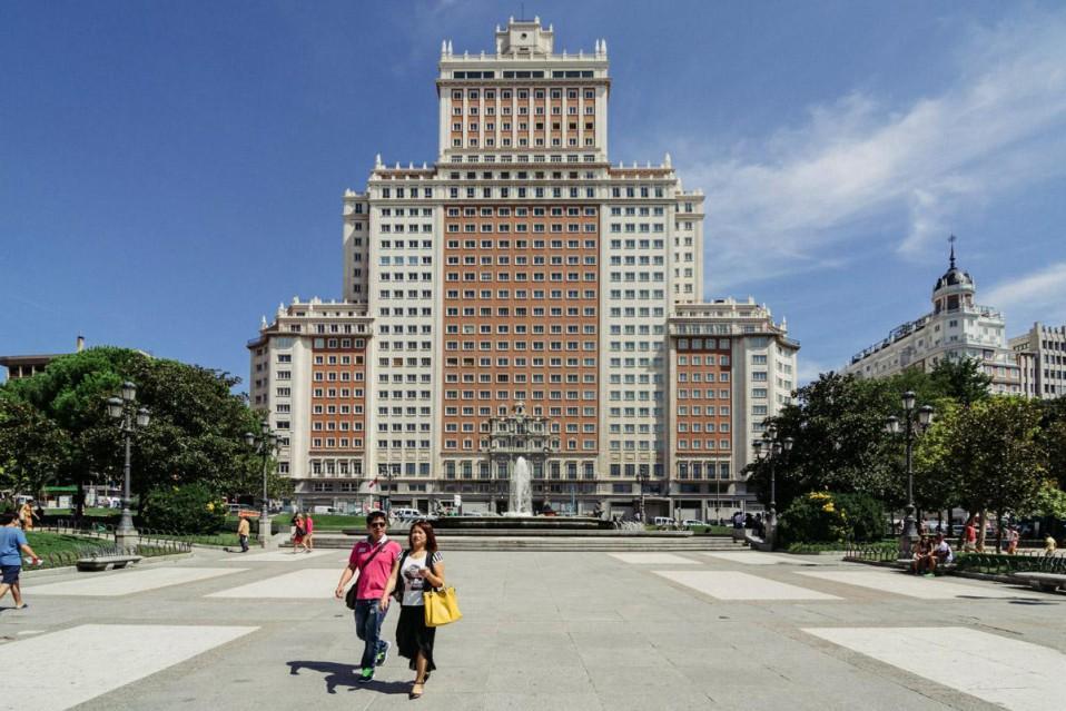 El emblemático edificio de plaza de España en Madrid