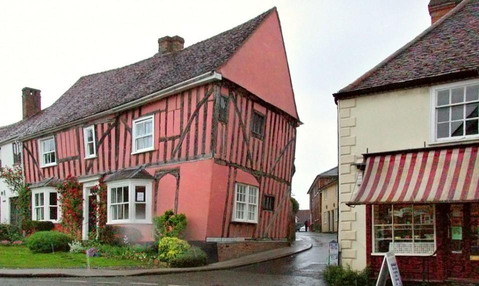 El peligroso encanto de Lavenham, el pueblo de las 'casas torcidas'