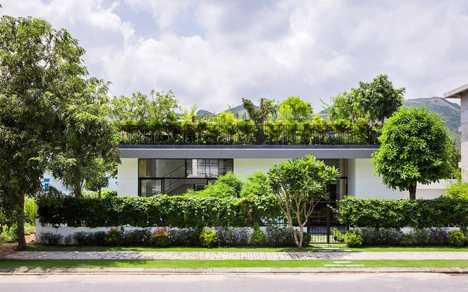 House in Nha Trang, Vietnam, by Vo Trong Nghia / Hiroyuki Oki